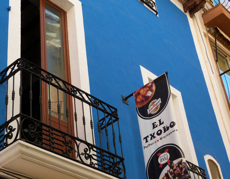"The best Tapas Bars in the old town Benidorm, known as ""Tapas Alley"""