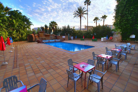 La Era Park Apartments for cheap holidays in Benidorm.