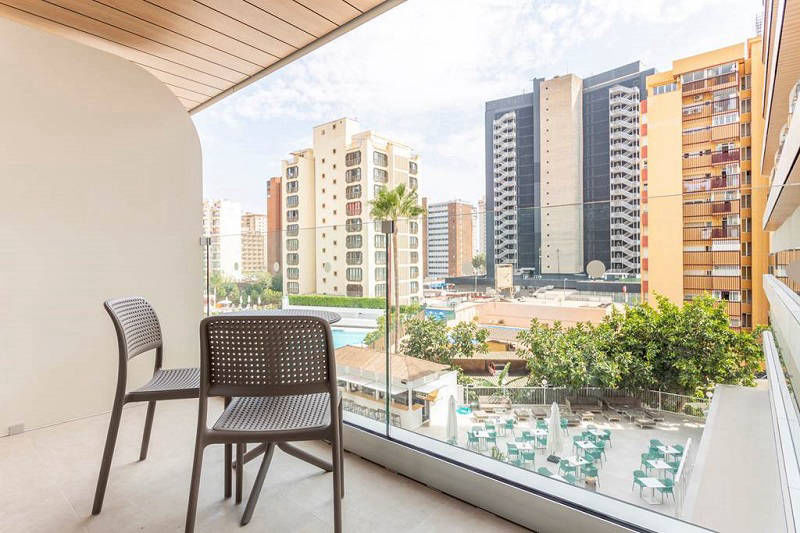 Presidente a luxury brand new hotel in Benidorm - Balcony room with pool view