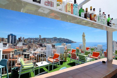 Hotel Queens is a budget hotel in Benidorm old town. Popular with single travellers and Gay Friendly.