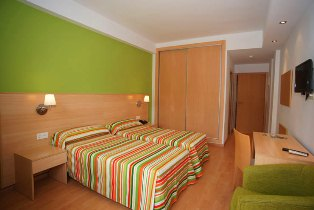 Golden Benidorm Twin Bedroom