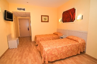 Orange Hotel Benidorm new large flat screen TV�s in 2011 with 60 channels and UK TV too.