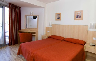Benidorm Hotel Regente Bedroom refurbished